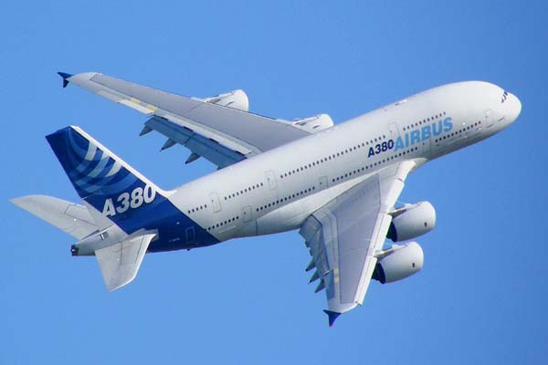 Airbus and Emirates sign firm deal for 50 more A380s