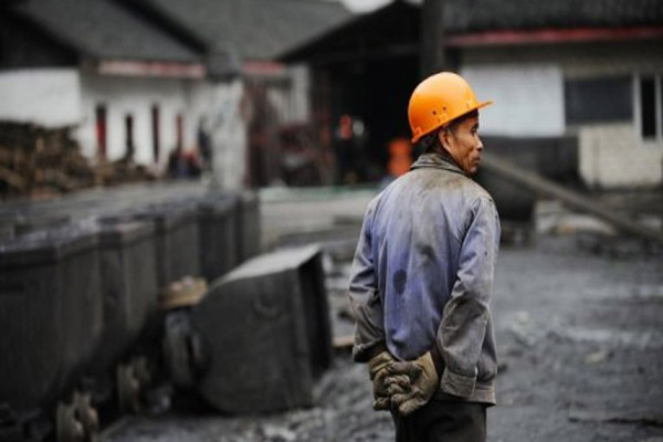 Coal mine blast in China kills 21