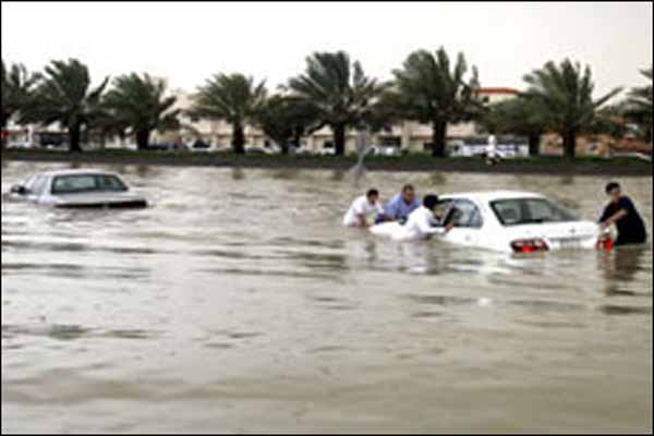 Floods in Saudi Arabia leave 13 dead