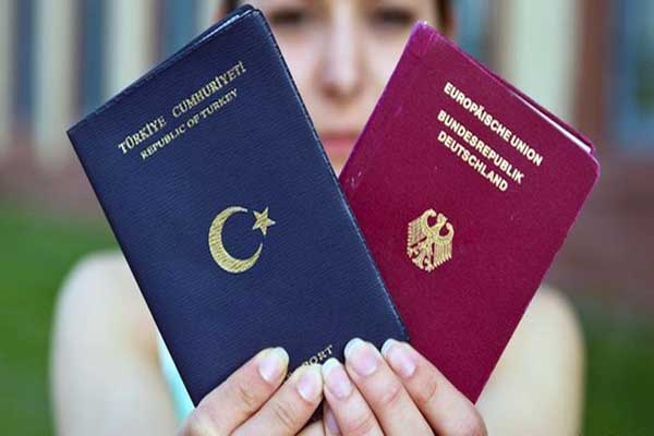 Germany discusses dual citizenship issue