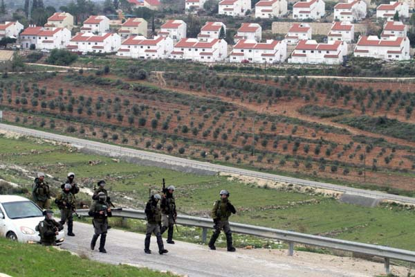 Israel halts settlements plan for now