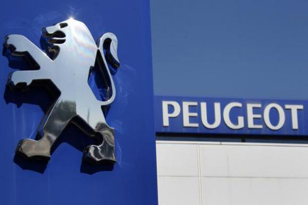 Peugeot family to vote on carmaker's future on Monday