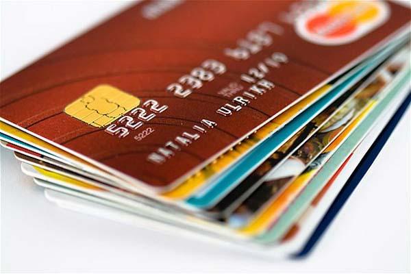 Turkey curbs credit card