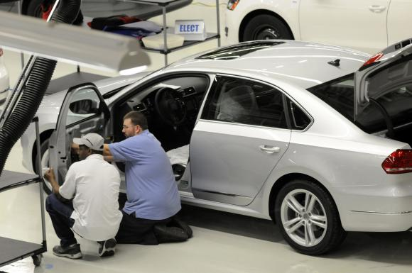 Obama weighs in on contentious union vote at Volkswagen plant