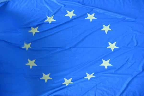EU to delay Serbia report for Kosovo deal