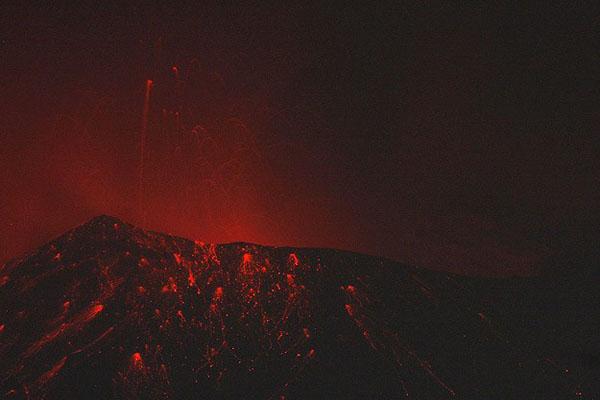 Indonesia volcano Sinabung kills at least 14