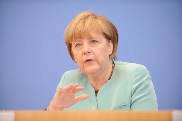 Merkel criticizes Russia and China on chemical claims