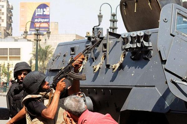 Egypt arrests more Brotherhood leaders in new raids