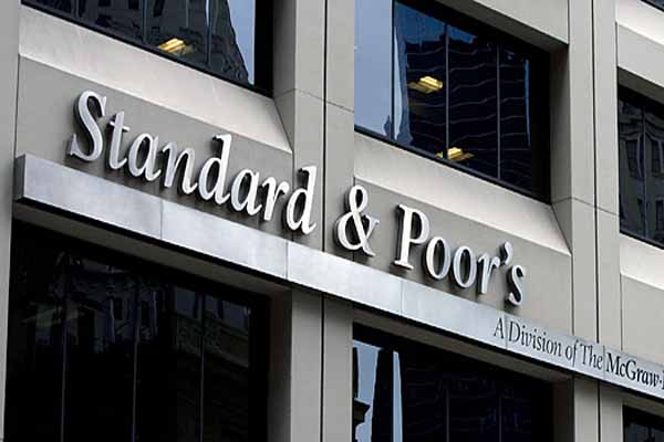 Standard and Poor revises Turkey's credit outlook to negative