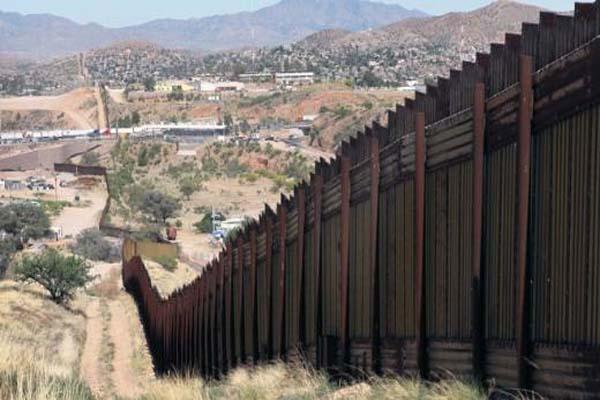 Turkey builds wall on Syrian border