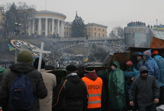 Ukraine announces truce with opposition