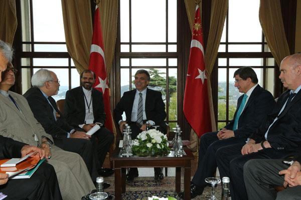 Turkey, Iran signal thaw in ties