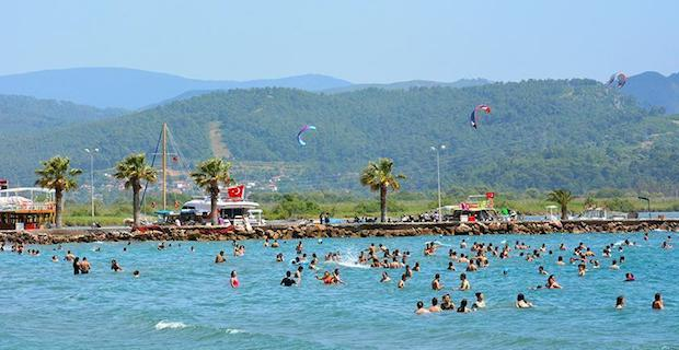 Turkey sees 25 pct rise in foreign visitors in Jan-July