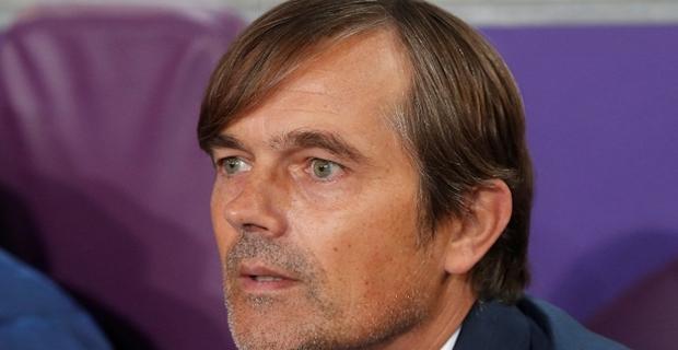 Turkey's Fenerbahce dismisses Dutch manager