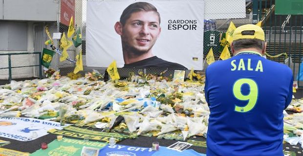 Emiliano Sala search team recover body from plane wreckage