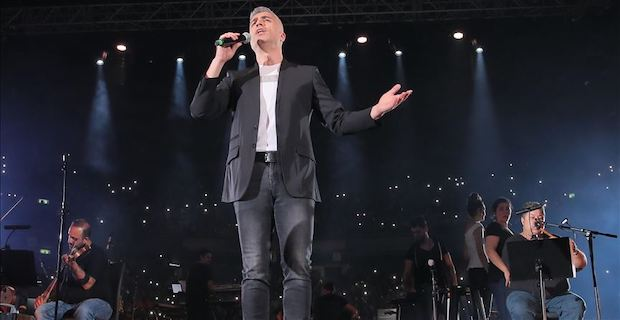 Turkish actor-singer holds concert in Israeli capital