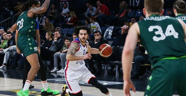 Anadolu Efes stay at top in Turkish basketball league