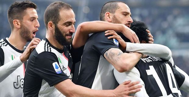 Juventus regain Serie A top spot after Lazio beat Inter