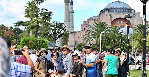 Turkey welcomes some 1.8M foreign visitors in January