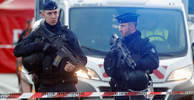 Gunman opens fire in Paris mosque, wounding one