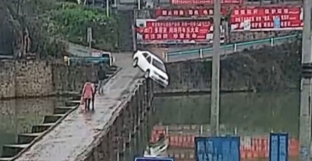Man drives over dock into canal 10 minutes after passing driving test