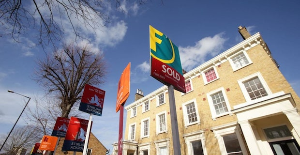 UK mortgage market goes into lockdown