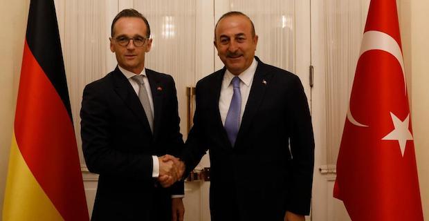Top Turkish, German diplomats speak on phone