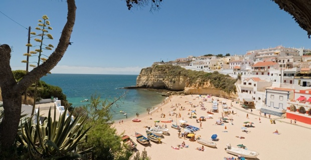UK removes Portugal from green list of COVID travel