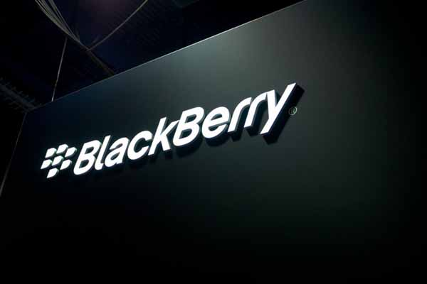 BlackBerry considering spinoff of messaging service