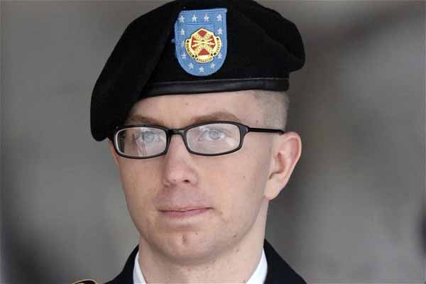 US soldier set to go on trial over leaks