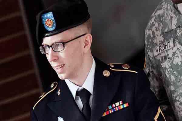 Bradley Manning braces for judge's verdict in WikiLeaks case