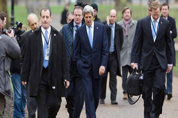 John Kerry in Japan to discuss Korean crisis