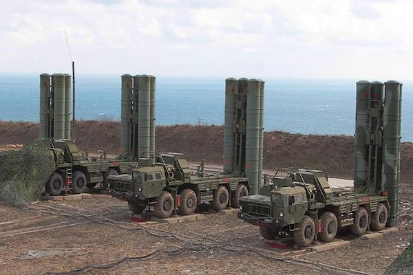 Turkish defense minister, S-400 deal with Russia done
