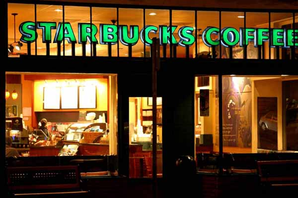 Starbucks reports UK loss, pays no tax for 2012