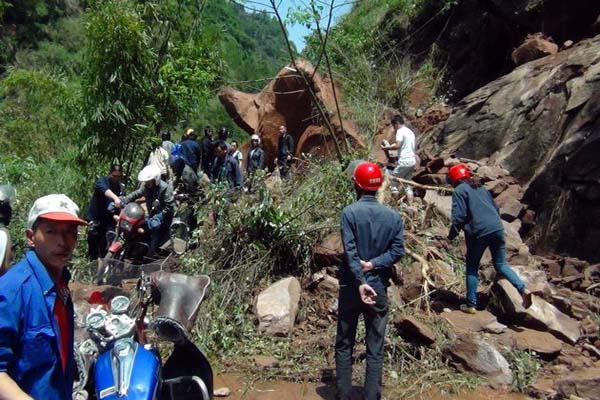 Strong quake hits China; 156 dead - UPDATED