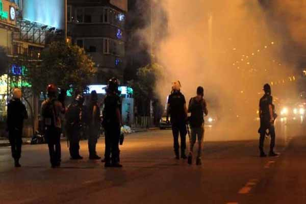 Turkish police clear Taksim sit-in