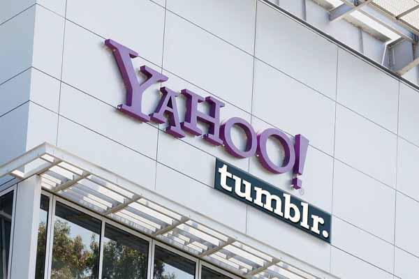 Yahoo to buy Tumblr