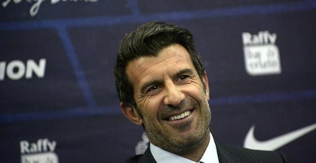 Football legends Kaka, Figo arrive in Pakistan