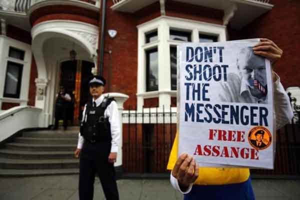 UK and Ecuador in deadlock over Assange