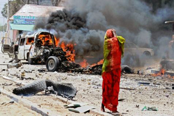 Car bomb hits convoy carrying Qataris in Somalia