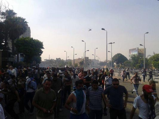 Army fires on crowd in Egypt