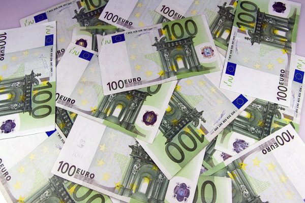 EU losing 1 trillion euros a year