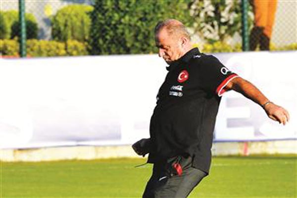 Fatih Terim kicks off third Turkey spell against Andorra