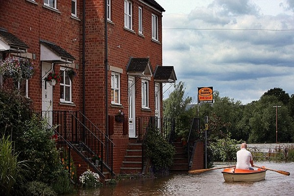 24,000 London homes at risk from flooding