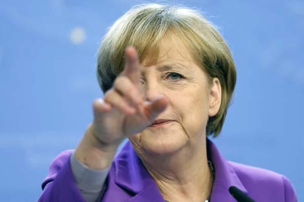 Merkel to meet coalition leaders as crisis looms
