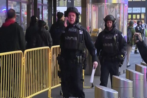NEW YORK Attacker targets Manhattan bus terminal