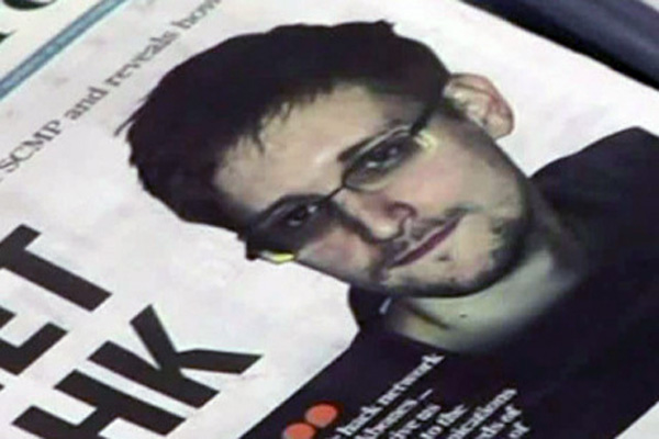 Snowden says US officials preventing his asylum