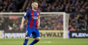 Football: Barcelona veteran Iniesta heads to Japan