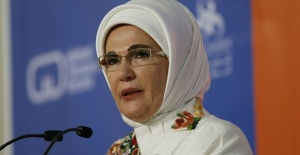 Emine Erdogan receives humanitarian service award