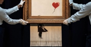 Banksy: How Love is in the Bin's shredding did not go to plan